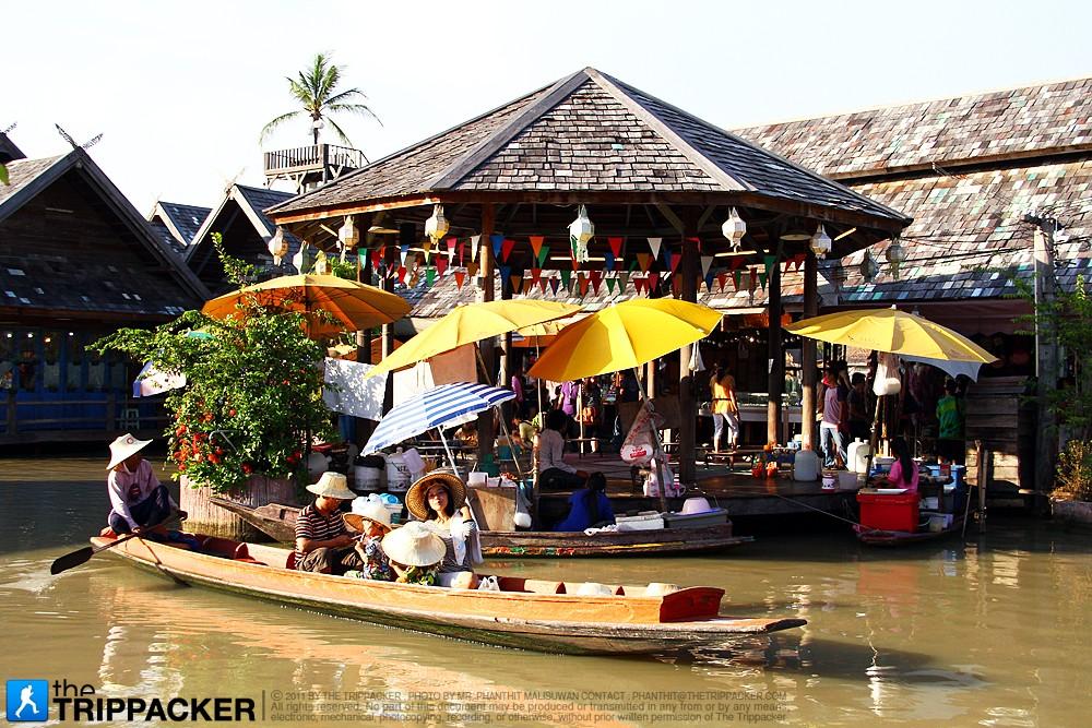 Pattaya Floating Market: 4 Regions in 1 Location